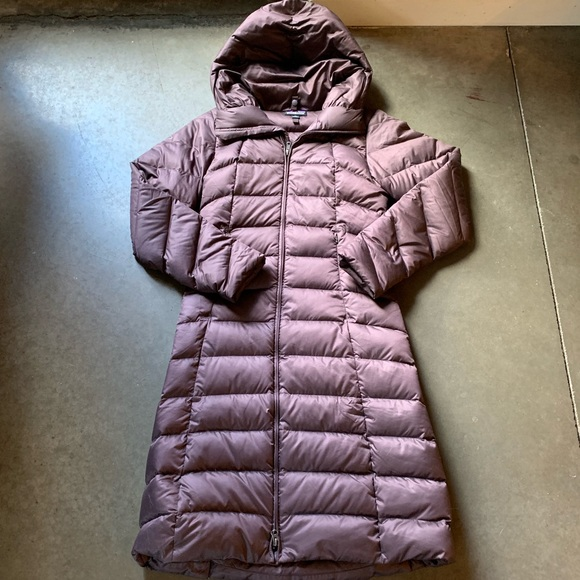 ef0fd4458b0 Women's Patagonia Silent Down Hooded Parka Maroon